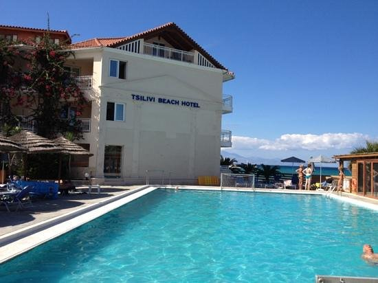 Tsilivi Beach Hotel: один из бассейнов в отеле