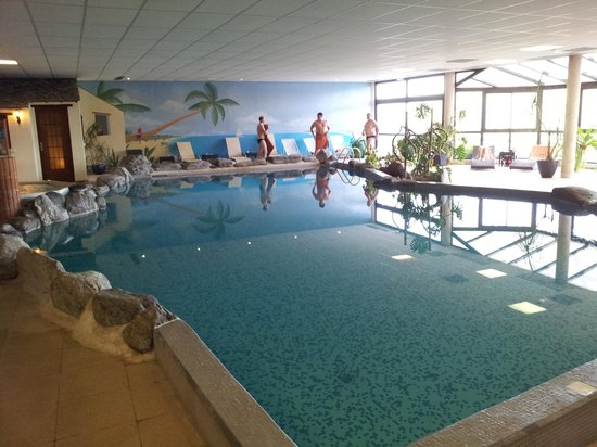 Auberge du Camp Romain: piscine tip top