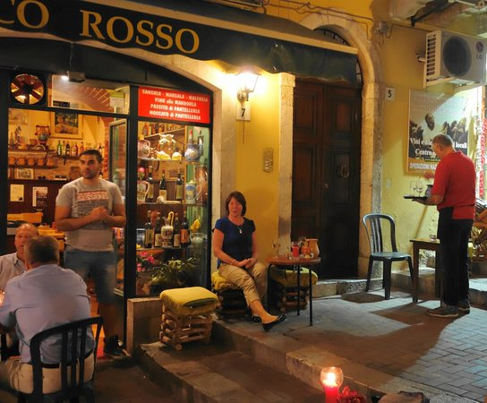 Arco Rosso: Watching the world go by....
