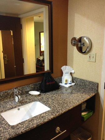 Best Western Suites Near Opryland: Bathroom