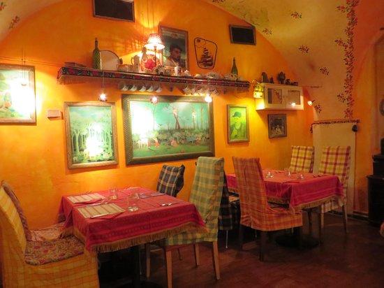 Gitanes: The back room