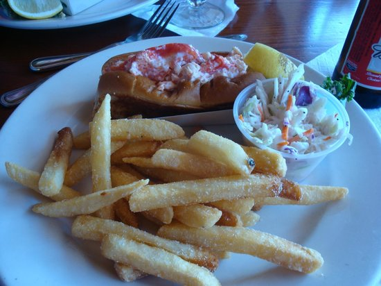 Nancy's Restaurant: Delicious Lobster Roll Plate
