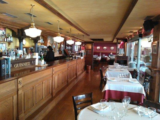Sant Anastasi: Barra cervecera interior