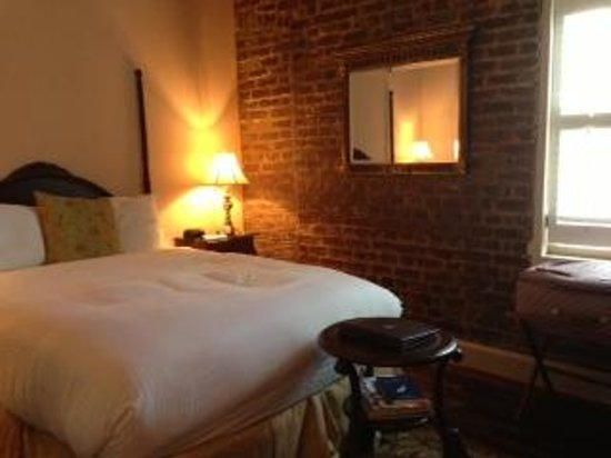 The Vendue Charleston's Art Hotel : Traditional Queen Room