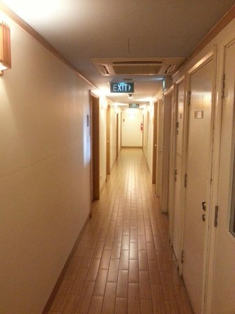 Hotel 81 - Sakura: corridor