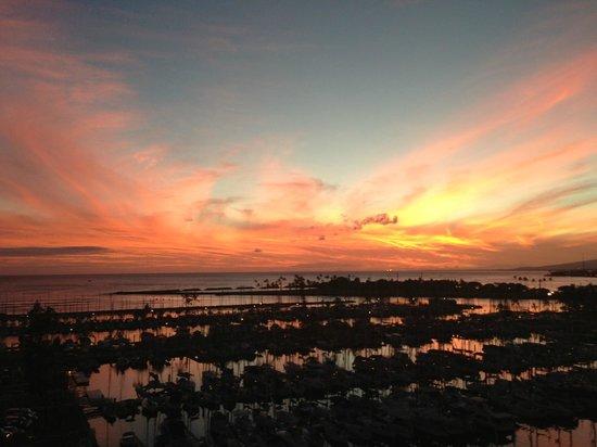 The Modern Honolulu: First sunset