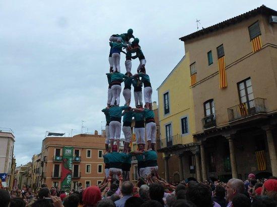 Holiday Inn Express: Castillos humanos en Tarragona.