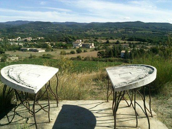 Le Manoir: Table d'orientation sur la colline voisine