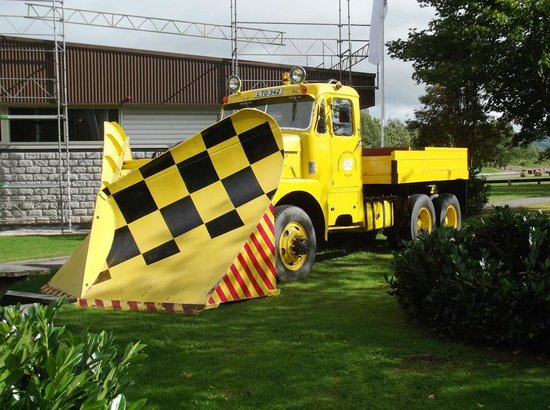 Grampian Transport Museum: Aberdeenshire County Council Mack Snowplough