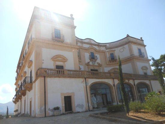 Villa Cattolica: Parte posteriore e lato est