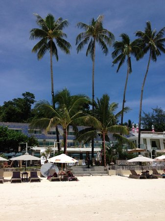 Estacio Uno Lifestyle Resort: Nice location on the beach, right by Willy's rock