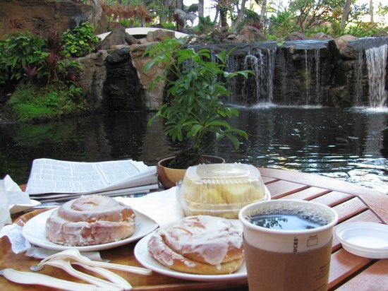 Westin Maui Resort And Spa: the cinnamon rolls were amazing!!