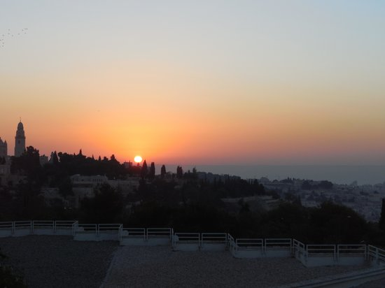 Inbal Jerusalem Hotel: Sun rise over the Old City