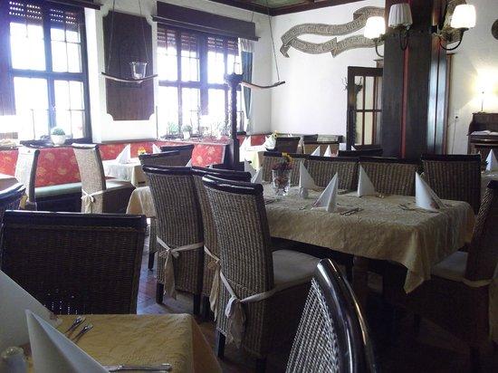 Rüdesheimer Hof: The dining room
