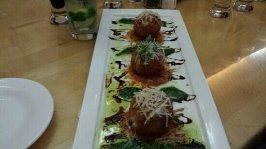 Outer Banks Brewing Station : crab and cheese risotto balls