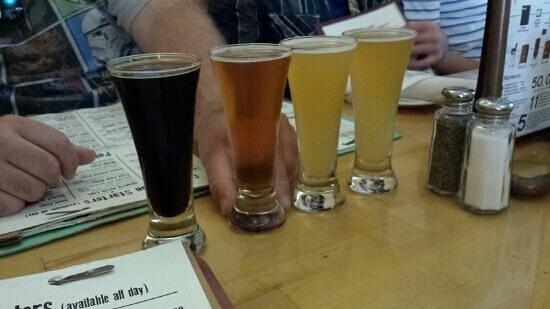 Outer Banks Brewing Station : beer tasting flight