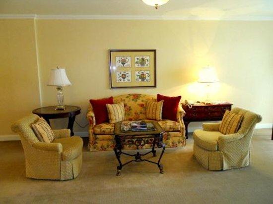InterContinental Dublin: Deluxe Suite Living Room