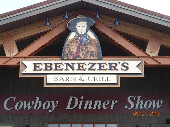 BEST WESTERN PLUS Ruby's Inn: Ebenezer's Barn & Grill - Across the street, dinner & show