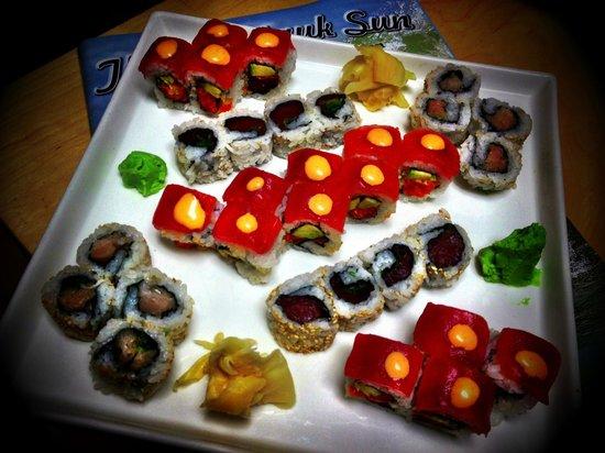 The Coast: Red Dragon, Maki Tuna, Maki Eel Cucumber