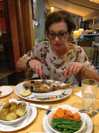 Churchill's Bar and Restaurant: pietanze gustose