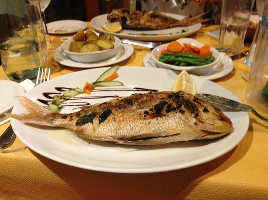 Churchill's Bar and Restaurant: pesce freschissimo