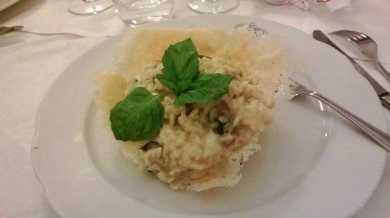 Vittoria : Risotto con melanzane in crosta di parmigiano