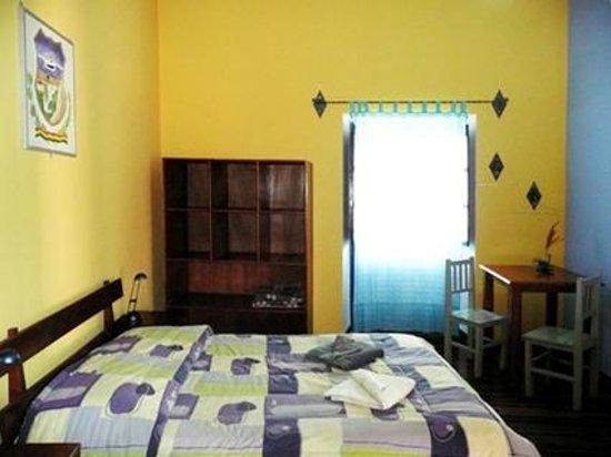 La Dolce Vita: Litoral Room