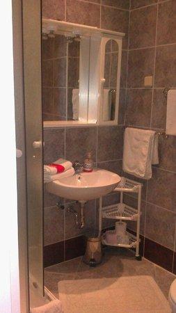 Villa New York: il bagno pulito e carino