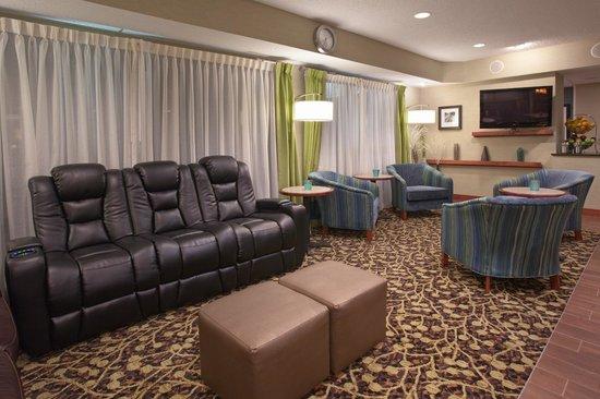 Hampton Inn Denver North / Thornton : Lobby