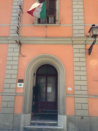 Hotel Il Bargellino: hotel front door