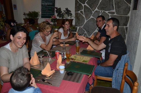 La table des Gourmets : Entre amis 2