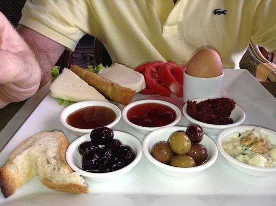 Melita Apart Hotel : Turkish breakfast