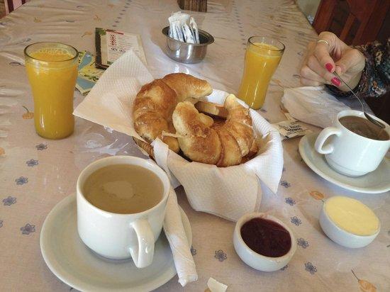 Posada Colibri: Desayuno