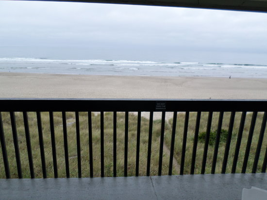 BEST WESTERN PLUS Lincoln Sands Oceanfront Suites: View from balcony