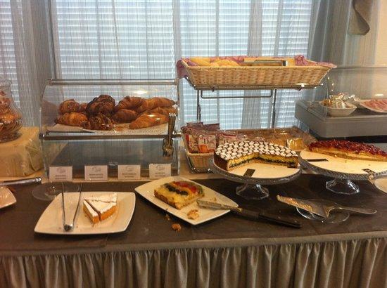 La Grotta Hotel : Breakfast