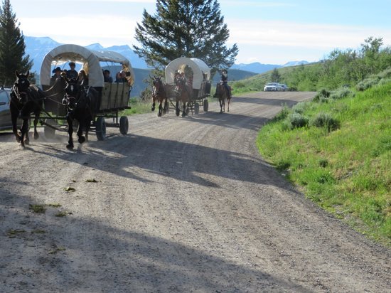 Bar-T-5 Covered Wagon Cookout : On our way to the cookout