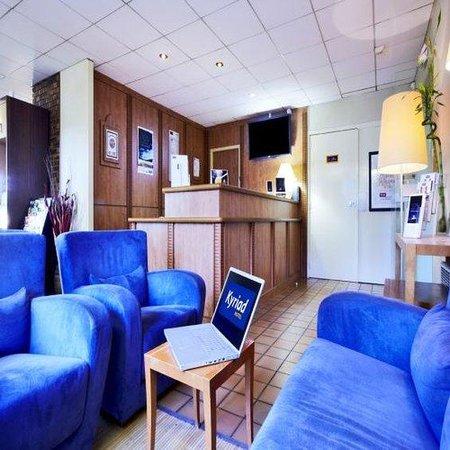 kyriad geneve saint genis pouilly hotel saint genis pouilly voir les tarifs et 124 avis. Black Bedroom Furniture Sets. Home Design Ideas