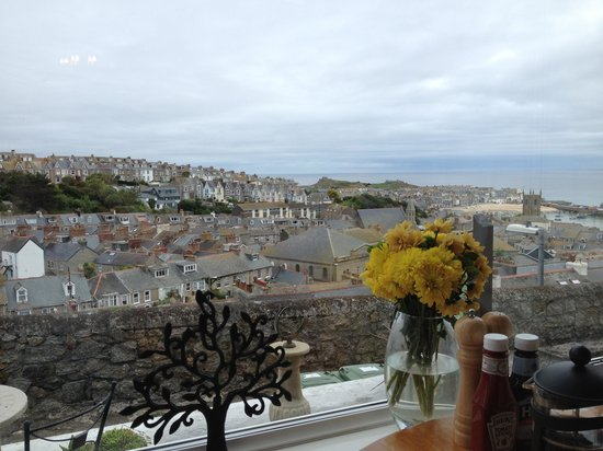 Little Leaf Guest House: The view from the Little Leaf breakfast room