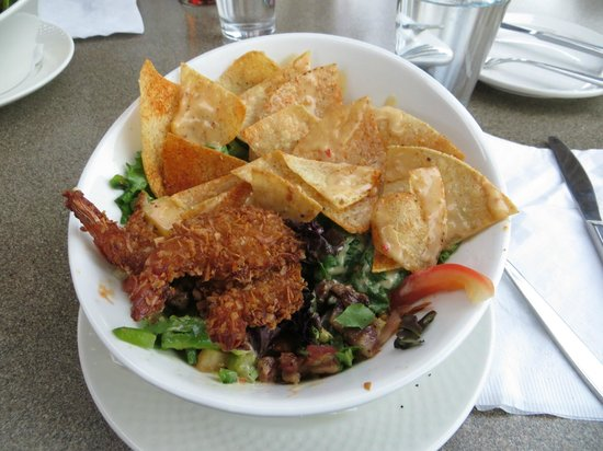 The Iron Goat Pub and Grill: Coconut Shrimp Salad