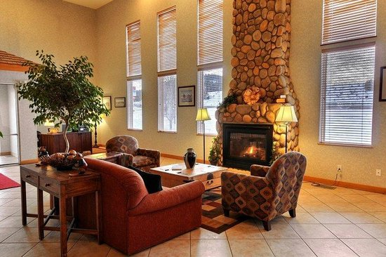 Whitewater Inn: Lobby