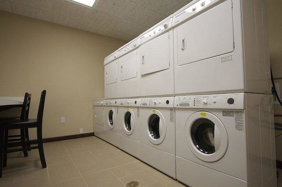 Staybridge Suites Houston / NASA - Clear Lake: Our complimentary laundry facility is open 24 hours