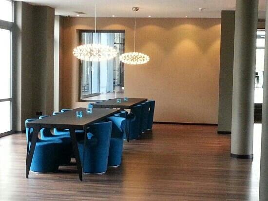 Motel One Stuttgart: Lounge