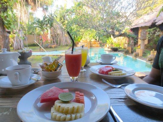 kaMAYA Resort and Villas: Delicious Complimentary Breakfast