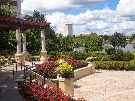 Lakeland, FL: Hollis Garden