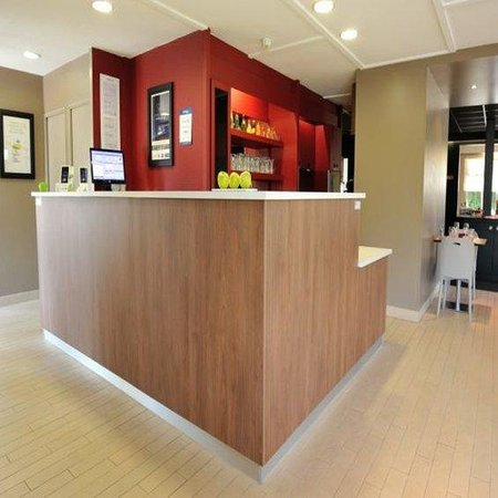 campanile marmande hotel france voir les tarifs 226 avis et 31 photos. Black Bedroom Furniture Sets. Home Design Ideas
