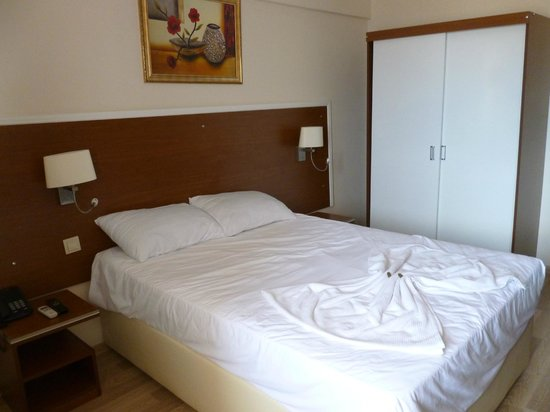 The Best Life Hotel: room