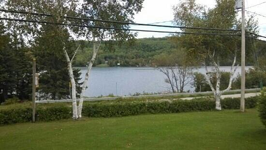 Gite au Fil du Temps: vue sur le lac