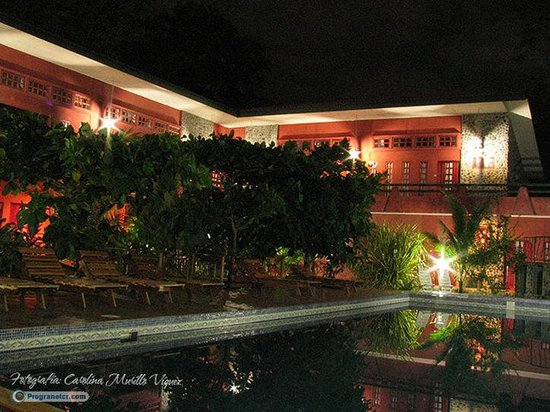 Hotel Playa Bejuco: Frente Hotel