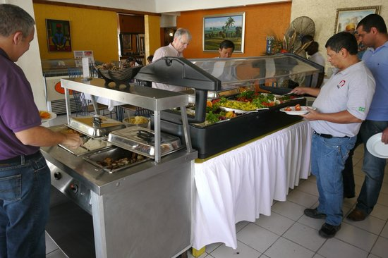 Visa Lodge Restaurant : Buffet with Salad bar