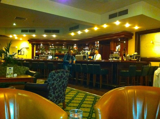 Roganstown Hotel and Country Club: Pub with great bar and food